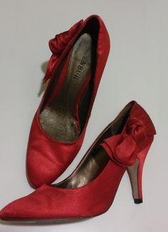 Kup mój przedmiot na #vintedpl http://www.vinted.pl/damskie-obuwie/na-wysokim-obcasie/14348219-czerwone-szpilki-menbur-rozmiar-36