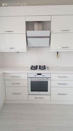 Mutfak Dolabı Modeli ve Şahane Mutfak Dekorasyonu Örnekleri Kitchen Room Design, Studio Kitchen, Kitchen Decor, Kitchen Cabinets Models, Kitchen Appliances, House Windows, Cuisines Design, House Floor Plans, Exterior Design