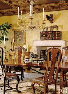 20 Best Traditional Dining Room Decor Ideas : AD Design Traditional Dining Room Design with Classy Dining Chairs and Long HiGloss Dining Tab. Dining Room Colors, Dining Room Design, Colorful Furniture, Modern Furniture, Traditional Dining Rooms, Lionel Richie, Enchanted Home, Celebrity Houses, Architectural Digest