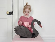 "913 mentions J'aime, 29 commentaires - Merrilee Liddiard (@mer_mag) sur Instagram : ""Still our favorite way to collect valentines - tissue box turned swan. Still time to make one! 