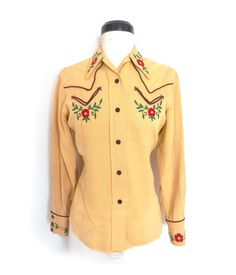 Butter yellow western shirt with unusual v-shaped pockets.  H-bar C, early 1940s