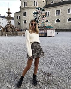 80 Cute Casual Winter Fashion Outfits For Teen Girl Mode Outfits, Trendy Outfits, Fashion Outfits, Fashion Trends, Girly Outfits, Skirt Outfits, Fashion Styles, Mode Ootd, Look Street Style