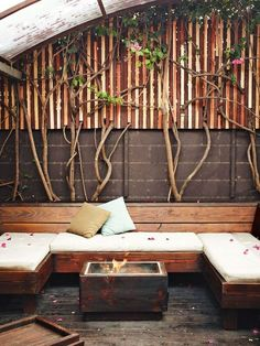This would be nice n cosy for the corner of our terrace