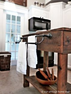 Amazing Rustic Kitchen Island DIY Ideas 4
