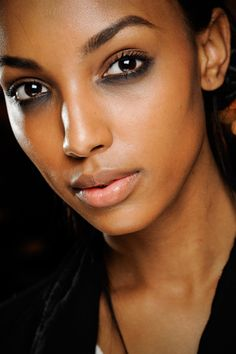 Marc Jacobs NYFW A/W 2012... smoky eye using mostly the lower lid