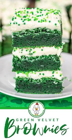 Green Velvet Brownies with Cream Cheese Frosting - perfect for St. Delicious homemade brownies topped with cream cheese frosting. Super easy to make and even easier to eat! Kinds Of Desserts, Just Desserts, Delicious Desserts, Dessert Recipes, Dessert Ideas, Brownie Toppings, Brownie Bar, Brownie Recipes, Cream Cheese Brownies