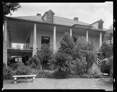 Chateau des Fleurs, New Orleans, Orleans Parish, Louisiana and other family and vintage photos from the past. Put faces to the names of your loved ones at AncientFaces. Abandoned Plantations, Louisiana Plantations, Abandoned Houses, Abandoned Places, Old Houses, Mississippi, Battle Of New Orleans, Antebellum Homes, Lady Antebellum