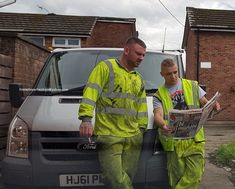 I Sing the Body Electric — constructiveeyeuk: stinkykev: . Hi Vis Workwear, Working Man, Body Electric, Construction Worker, Mens Fitness, Singing, Sexy, Fit Men, Natural Rubber
