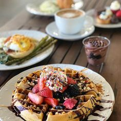 """Kanchan Garg on Instagram: """"Brunch so hard other foodies wanna join me! 😁 I'm still mesmerized by my incredible brunch @primeprovisions! The #wafflebar was my favorite…"""" Best Brunch Chicago, Waffle Bar, Acai Bowl, Foodies, Join, The Incredibles, Breakfast, Instagram, Acai Berry Bowl"""