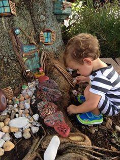 2014 Fairy Garden Contest : Finalists : Part ONE Baumhaus Fairy Garden: Fairy Garden Wettbewerb: www Fairy Tree Houses, Fairy Garden Houses, Gnome Garden, Garden Art, Fairy Gardening, Gardening Quotes, Hydroponic Gardening, Fairy Doors On Trees, Garden Kids