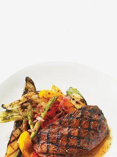 Bavette de boeuf et salade de légumes grillés à la Plancha