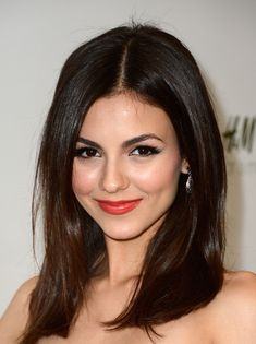 Celebrity Hairstyles, Victoria Justice A New Star Hairstyle 2015 : Victoria Justice Haircut Middle Parted, victoria justice hairstyles victoria justice makeup, victoria justice short hair, victoria justice haircut october victoria justice haircut games 2015 Hairstyles, Hairstyles For Round Faces, Celebrity Hairstyles, Straight Hairstyles, Layered Hairstyles, Victoria Justice Hair, Actrices Sexy, Non Blondes, Celebrity Beauty