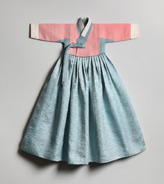 오목누비저고리를 비롯해 김해자 장인이 만든 각종 누비 한복들. korean quilted clothes, Korean Traditional Dress, Traditional Dresses, Korean Outfits, Kids Outfits, Little Girl Dresses, Girls Dresses, Korean Fashion, Kids Fashion, Womens Fashion