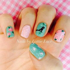 12-Year-Old Nail Prodigy Sets Up Salon In Her Caravan! #nailsbylottielace