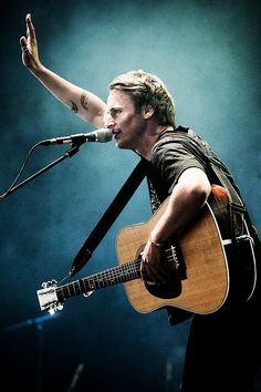 Ben Howard, Beths again tehehe...he shall be my pet and i'll feed him and take him out for walkies and brush his hair