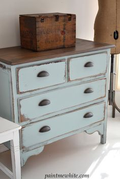 Redoing old dressers and this might be the winning look! Paint Me White: Coastal… Redoing old dressers and this might be the winning look! Paint Me White: Coastal Blue Dresser Chalk Paint Furniture, Furniture Projects, Diy Furniture, Furniture Plans, Furniture Stores, Furniture Design, Rustic Furniture, Repainting Furniture, System Furniture