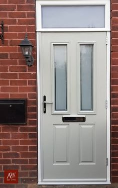 Painswick Solidor, Ludow style We love this charming grey entrance door in Painswick, an elegant and Green Front Doors, Front Door Colors, Living Room Decor, Living Spaces, Bedroom Decor, Composite Door, Entrance Doors, Deck Design, Windows And Doors