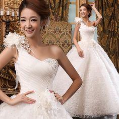 2013 Nouvelle robe de mariée sexy mince de princesse  et de sangles http://www.robesdemariee2013.com/mariee/2013-nouvelle-robe-de-mari%C3%A9e-sexy-mince-de-princesse-et-de-sangles-p-32920.htm#.VIqqJCuUfbk
