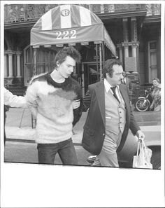 Sid Vicious Sid Vicious being escorted out of the hotel by cops Photo by Mary McLoughlin / NYP Holdings Inc via Getty Images