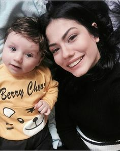 Demet ozdemir Beautiful Beach Pictures, Beautiful Beaches, Victoria Justice, Summer Hats, Turkish Actors, Daydream, Actors & Actresses, Celebs, T Shirts For Women