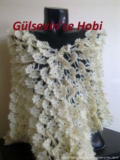 crochelinhasagulhas: Xale em crochê Crochet Tunic Pattern, Crochet Shawl, Knit Crochet, Crochet Patterns, Photo Tutorial, Crochet Scarves, Rubrics, Butterfly, Knitting