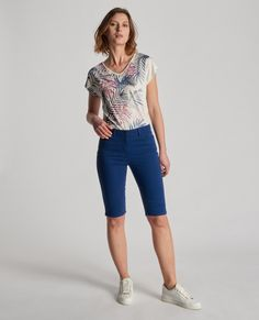 Bermuda long bleu foncé coupe 5 poches Femme   Burton Of London 49adcc9236e