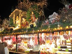 Lebkuchen (Gingerbread) stall at the Stuttgart Christmas Market, where merchants compete each year for the best roof decorations!