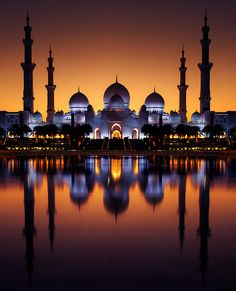 Unlimited Beauty - One of the most famous place in Abudhabi-UAE (Sheikh Zayed Mosque) Mosque Architecture, Ancient Greek Architecture, Religious Architecture, Gothic Architecture, Paper Architecture, Beautiful Mosques, Beautiful Buildings, Beautiful Places, Mecca Wallpaper