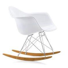 VITRA RAR fauteuil à bascule Eames Plastic Armchair (BLANC - polypropylène, fil d'acier chromé, érable jaunâtre)