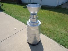 stanley cup for Owen's costume. I'm thinking big popcorn tin springform pan cake pan part of an oatmeal tub and a party bowl. Cover in duct tape! Stanley Cup Costume, Popcorn Tin, Springform Pan, Party Themes, Party Ideas, Duct Tape, Tub, Oatmeal, Crafty