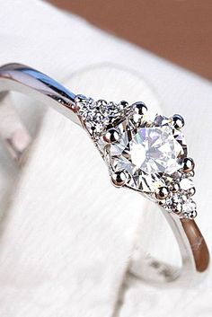Simple Engagement Rings For Girls Who Loves Classics ❤ See more: http://www.weddingforward.com/simple-engagement-rings/ #wedding #engagement #rings