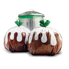 Christmas Pudding Bin Bags from Suck-UK at Ocado. Well you have to have some novelty ideas at Christmas and what better way of even making the rubbish look good! Christmas Pudding, Xmas Pudding, Christmas Bags, Christmas Gift Wrapping, Christmas Ideas, Christmas Time, Christmas Inspiration, Merry Christmas, Christmas Hamper