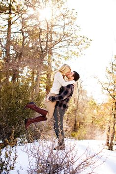 Engagement photo ideas - the kiss!
