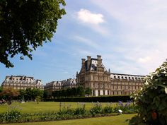 View of the Louvre from the Jardin des Tuileries Sunny Afternoon, Places Ive Been, Places To Visit, Louvre, London, Paris, Adventure, City, Pictures