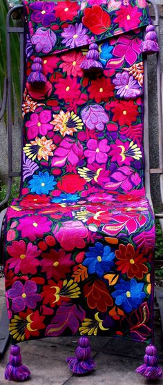RFT19 Purple Floral Guatemalan Table Runner Large with Tassels Mexican Embroidery, Types Of Embroidery, Hand Embroidery Designs, Embroidery Art, Cross Stitch Embroidery, Embroidery Patterns, Mexican Fabric, Mexican Textiles, Mexican Style