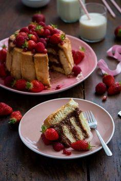 Charlotte au chocolat et fruits rouges (fraises, framboises, grenade)   Jujube en cuisine