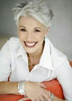 Looking for cool and modern pixie hairstyles for older women? In our gallery you will find Cool Pixie Haircut for Older Ladies that you will totally adore! Grey Wig, Short Grey Hair, Short Hair Cuts, Short Hair Styles, Pixie Cuts, Haircuts For Fine Hair, Older Women Hairstyles, Cool Hairstyles, Pixie Haircuts