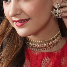 Buy the best Indian style Necklace Sets from the top Indian jewelry shopping brand. Shop the best Indian jewelry designs for Necklace Sets online for various occasions and events. Jewelry Design Earrings, Gold Jewellery Design, Necklace Designs, Gold Jewelry, Jewelery, Cz Jewellery, Stone Jewelry, Diamond Jewelry, Indian Necklace