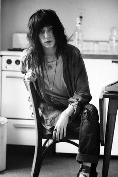 Patti Smith at chelsea hotel, 1971 (From Beatniks to Sticky Fingers). My inspiration!