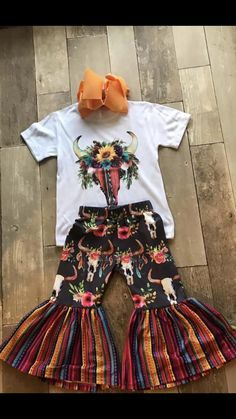 The striped pattern alone as leggings or shorts with pommed fringe Baby Outfits, Little Girl Outfits, Kids Outfits, Western Baby Clothes, Western Babies, Baby Kids Clothes, Country Baby Clothes, Fashion Kids, Baby Girl Fashion