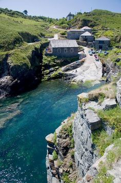 Church Cove - Cornwall - England #travel #beautiful #viajes...