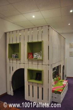 kid house from pallets9 531x800 DIY: Pallet kid house project in pallet bedroom ideas  with Pallets Kids House