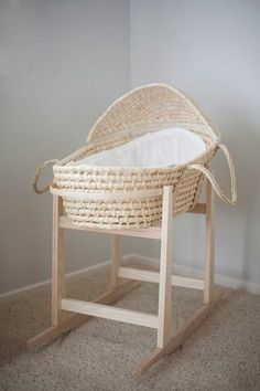 Baby basket rattan with stand
