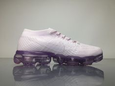 Nike Air VaporMax 2018 849557501 White Pink Shoes 4 Curvy Petite Fashion, Nike Air Vapormax, New York Fashion, Milan Fashion Weeks, Africa Fashion, Running Shoes Nike, Pink Shoes, Sneakers Nike, Fashion Models