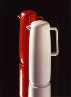 Termoskannut, Design: Heikki-Metsä-Ketelä (1984), Airam #termoskannut #astiat #suomalainenmuotoilu #finnishdesign #thermos