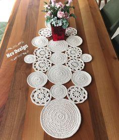 Lace Doilies, Crochet Doilies, Free Crochet, Knit Crochet, Crochet Table Runner Pattern, Fillet Crochet, Clothes Basket, Needlework, Diy And Crafts