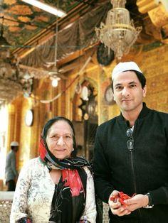 Chef Vikas Khanna with his mom Bindu Khanna