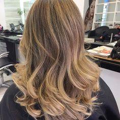 Top 100 sombre hair photos #lucianosantanacabeloemaquiagem 💁🏼🙏🏽👏🏽🔝Cor renovada para @ana_mantello 😉 #cabelo #hair #blond #loira #loura #hairblond #ombrehair #tecnica #sombrehair #cabeleireiro #beauty #beleza #cabelobapho #instahair #hairdresser #amooquefaço #cosmetics #campinas #itgirl #moda #diva #deagora #cabelodasdivas #lindo