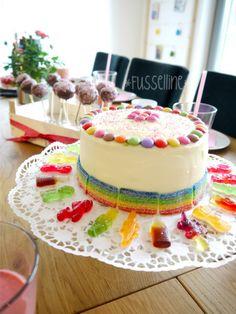 Geburtstagstorte und Cakepops Tafel