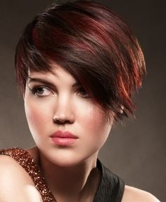 Love these red highlights in brown hair, not the cut